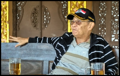 Koeswintoro (72) owner Grafika Grup Gombong. (SH)